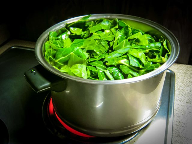 Steam collard greens for health